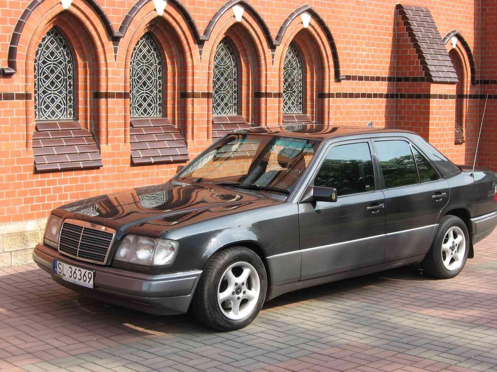 Mercedes 420SEL Gold